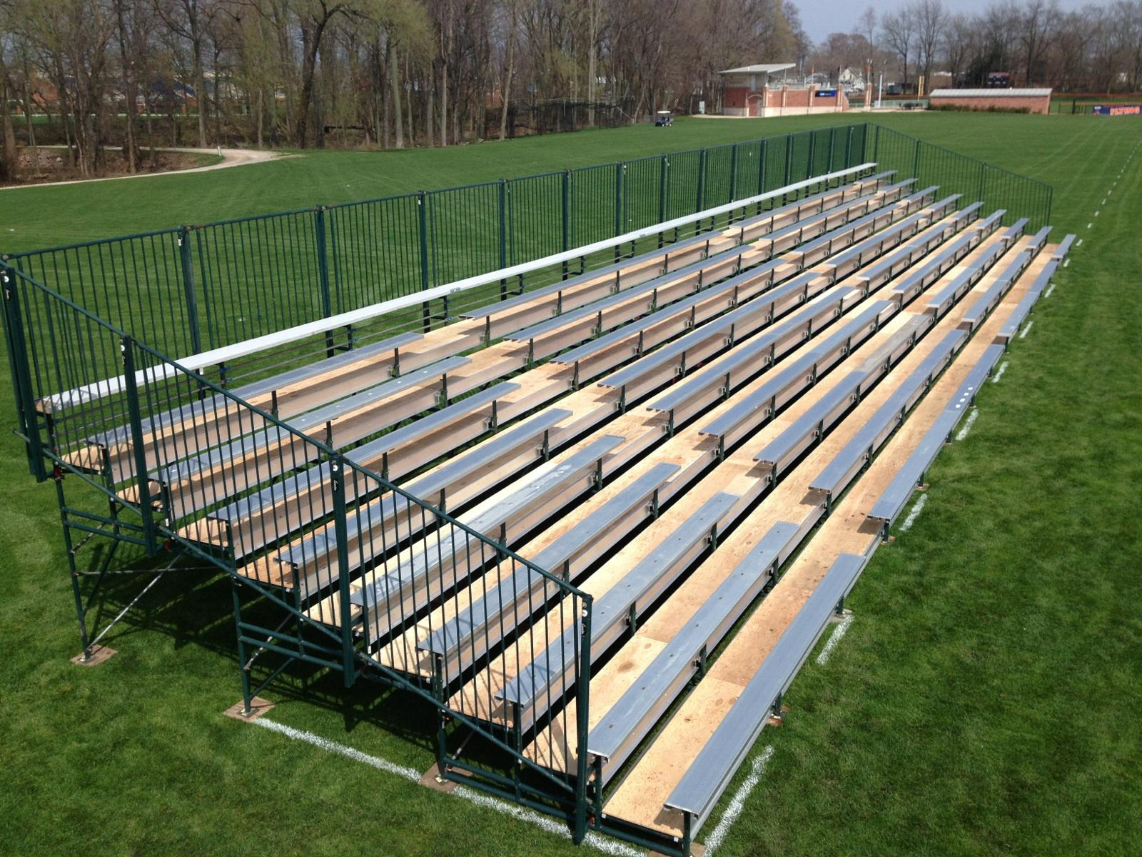 grandstands-new-deck-with-alum-seats